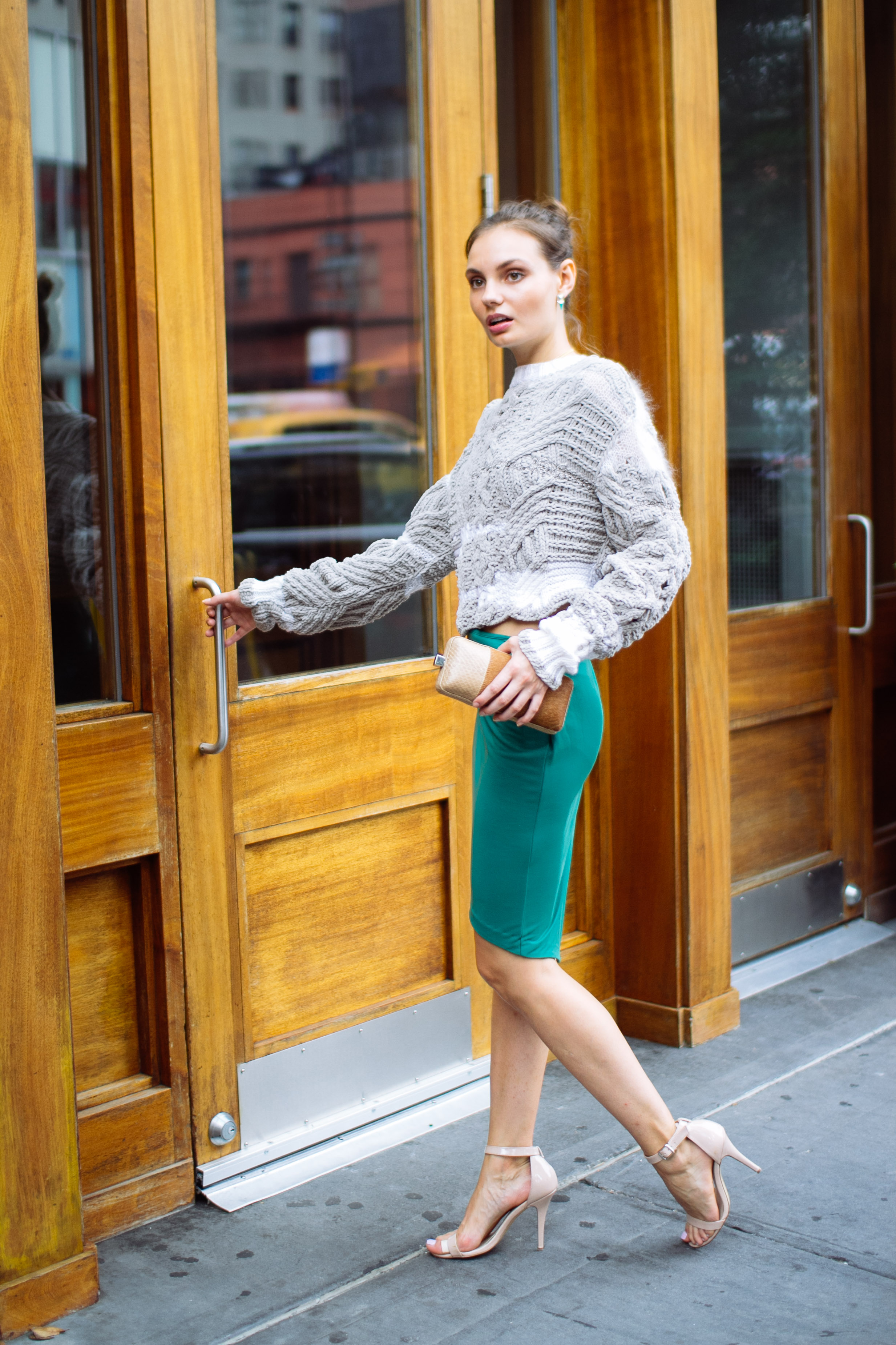 Style Tips on Wearing Sweaters This Winter - Women Magic ...